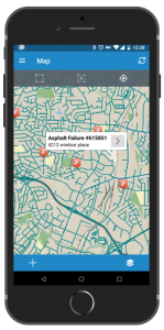 Field workers see the same information on their mobile devices whether a pothole service request is created manually or through incoming Waze data.